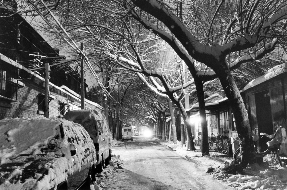 老沈影展036o雪夜中胡同1997.jpg