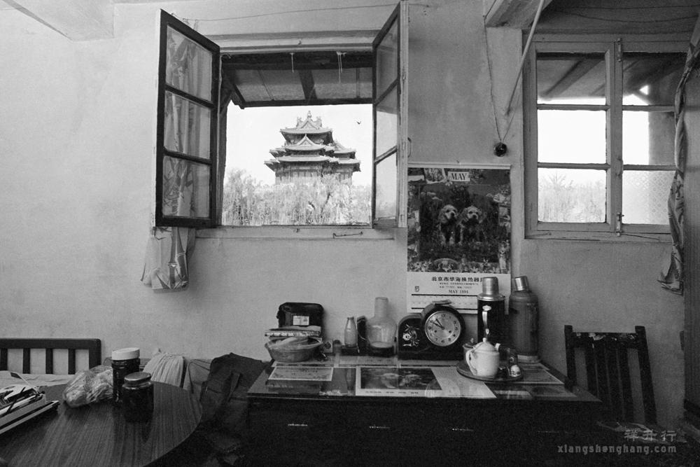 老沈影展057o角楼下1994.jpg
