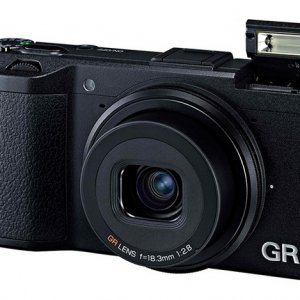 宾得理光发布APS-C格式1620万像素高级便携相机理光GR