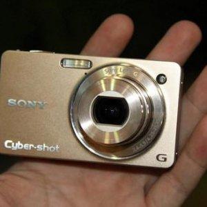 卡片相机面临存亡关头