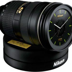 尼康发布限量版24-70mm f/2.8G镜头闹钟