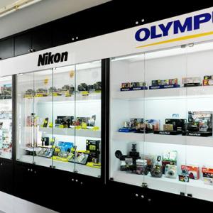 日本相机厂商开始拼镜头和服务